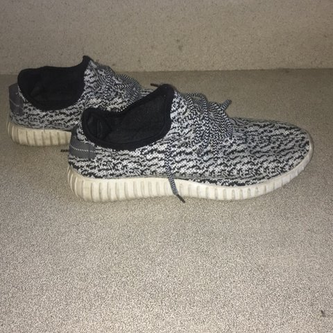 bb594bf9fddb5 Yeezy boost 350 replicas Very nice shoes worn a few times a - Depop