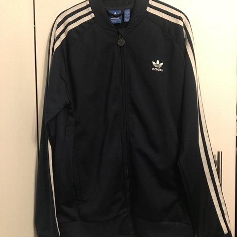 f6b137087ed NAVY ADIDAS JACKET £20 Worn twice doesn't suit me Perfect - Depop