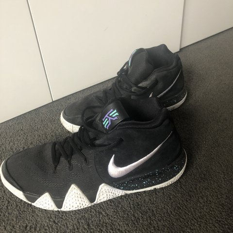 a28fe90dfb57 SELLING   Men s Nike Kyrie 3 Flip the switch runners. Used - Depop