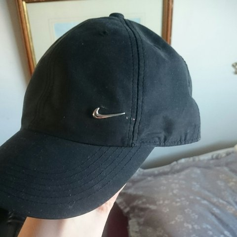 2912e8eda57 Release your inner roadman with this nike cap. Worn once - Depop