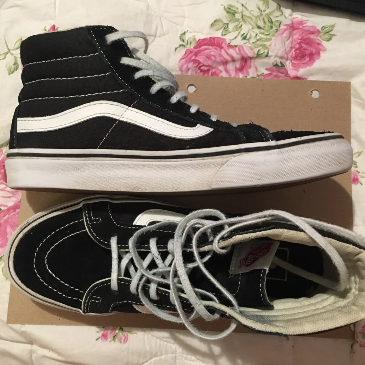 73ef1ba970fcf3 Vans sk8 hi - laces are dirty but you can just replace you I - Depop