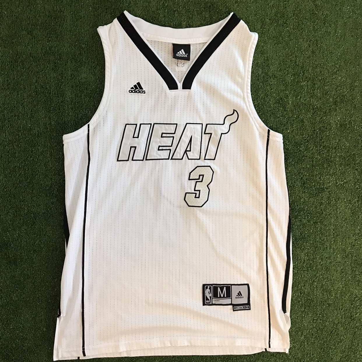 the latest 1ad4c 7b7a1 Dwyane Wade #3 Miami Heat Adidas White Hot NBA... - Depop