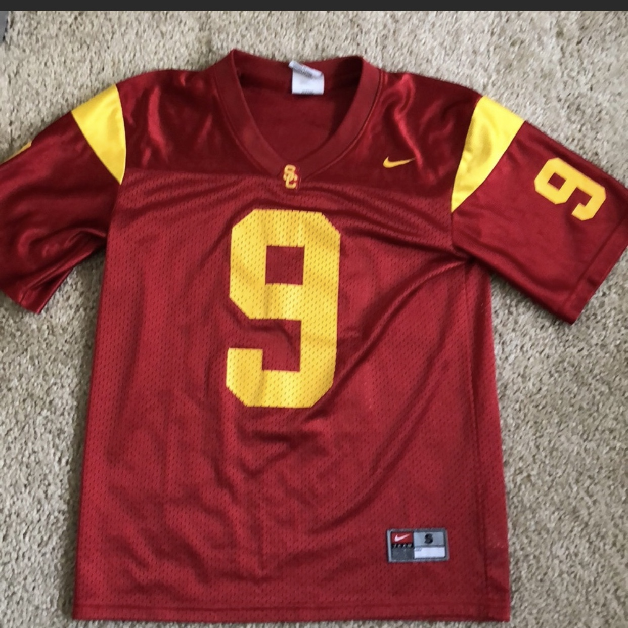 separation shoes da627 25701 Boys Nike USC jersey #9. Size small. Has small snag... - Depop