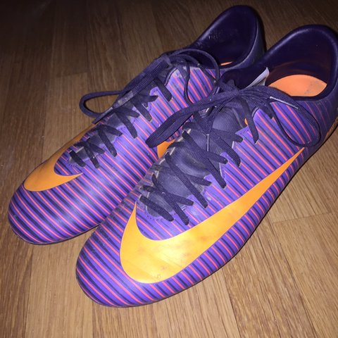28a4c9580f5 purple mercurial football boots size 7 uk £3 shipping in - Depop