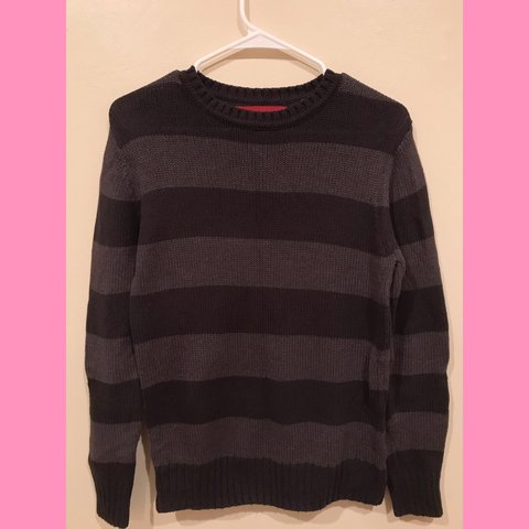 718a1e97cc6bb1 Black and Grey stripped knitted sweater Men's XL but shrunk - Depop