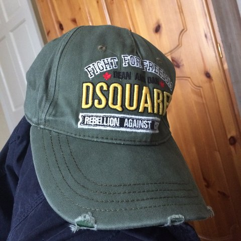 06d660346f329b DSquared khaki strap back cap. Brand New with tags never £95 - Depop