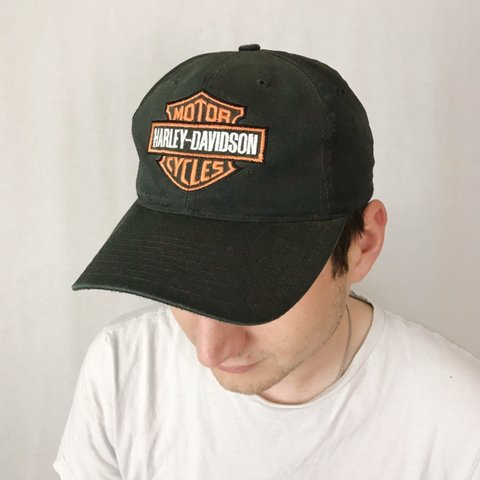 04ae6d13a1100 Harley-Davidson Motorcycle cap! All black hat! Green under - Depop