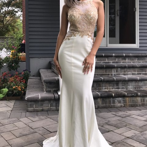 8c535e215e2 Prom dress for sale got it from lord   Taylor original was - Depop