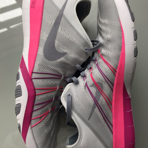 6dbe5240c03e NEW Nike TR 6 grey and pink women s trainers size UK 8 Can 7 - Depop