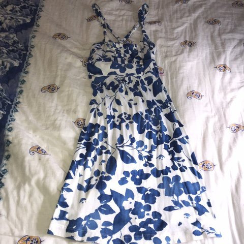 f9bbd01003a This is an American Eagle outfitters summer dress. Cute Worn - Depop