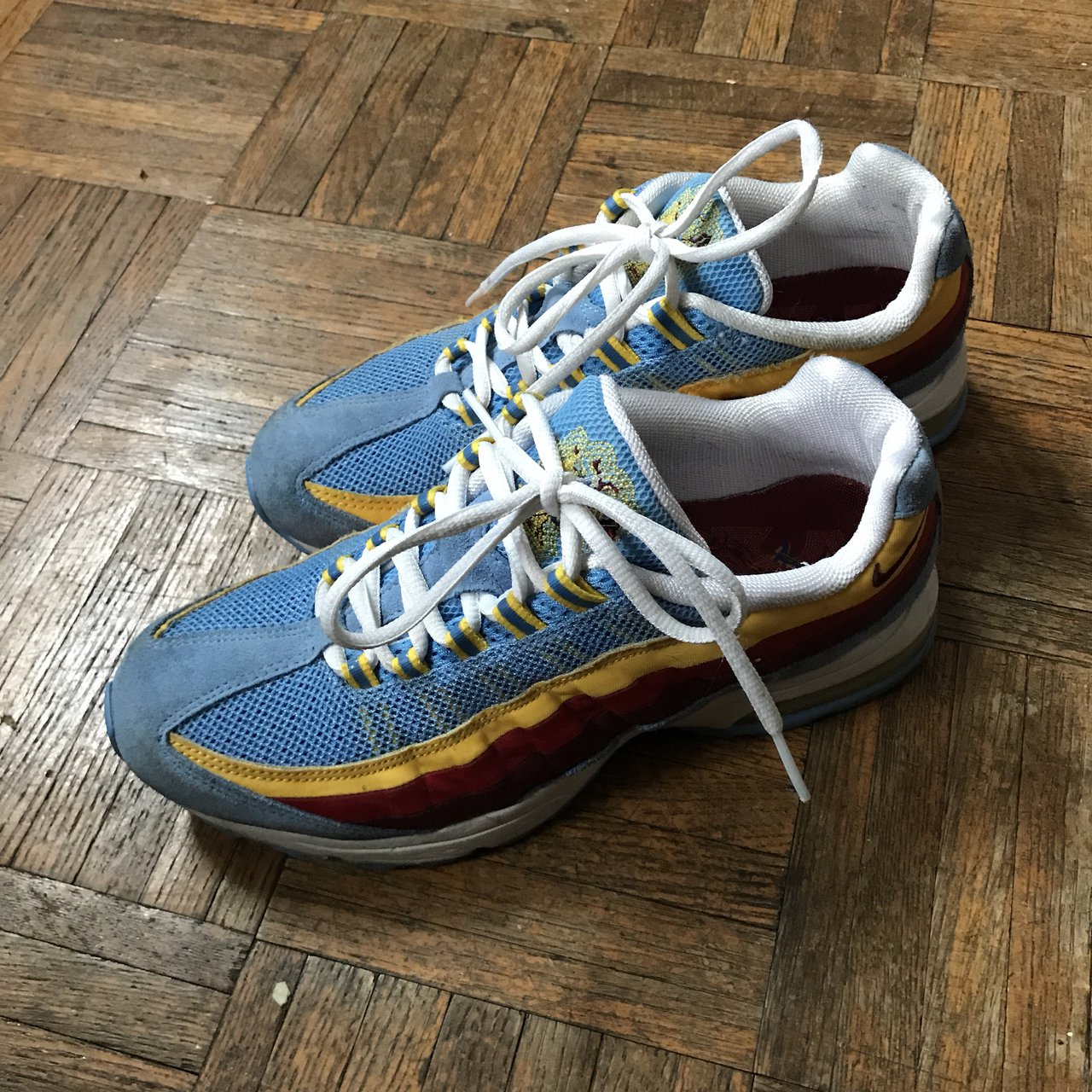 064260ac1088 FLAMES vintage Nike Air Max in near perfect condition with I - Depop