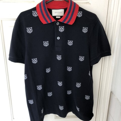 653f9f085 GUCCI POLO tiger print Large Navy Great condition Original - Depop