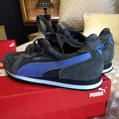 bc311fb89acb Good conditioned puma shoes PUMA SNEAKERS SIZE 8.5 Tags  - Depop