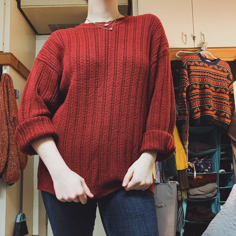 6a11c3ae207 VINTAGE- Red cable knit sweater. Nice and breathable