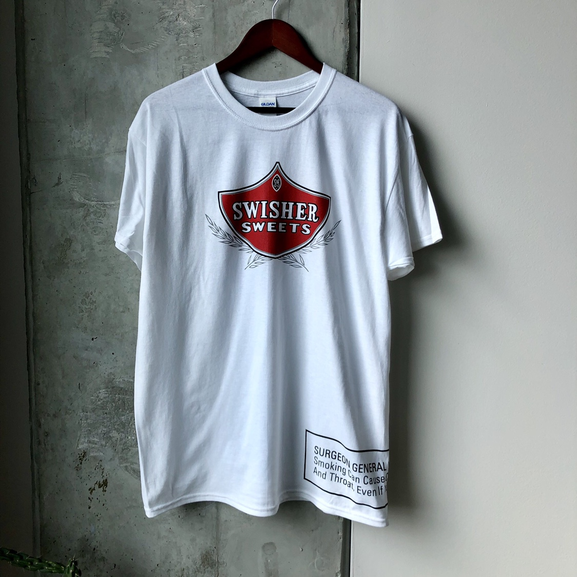 Swisher Sweets T-Shirt NEW Mens Size Large    - Depop