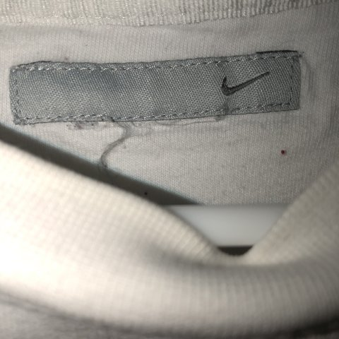 fea3ca475a5d01 White and beige Nike swoosh used 5/10 Has some yellowing - Depop