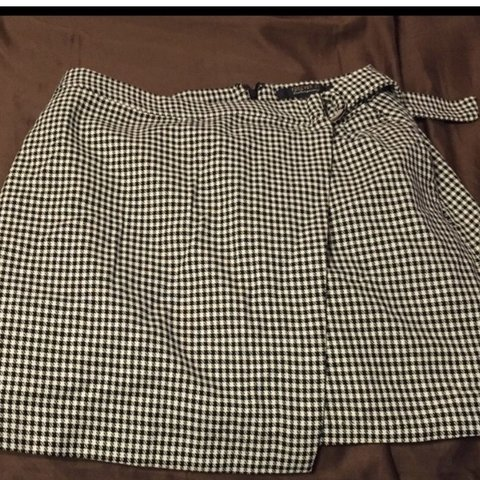 2cf4f643af3d @seoleis. 3 months ago. Cotton Valley, United States. black and white  checkered skirt perfect ...