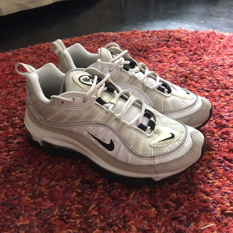 quality design 0984f 6707e NIKE AIR MAX 98 WHITE FOSSIL WOMENS. SIZE 4. SOLD ...