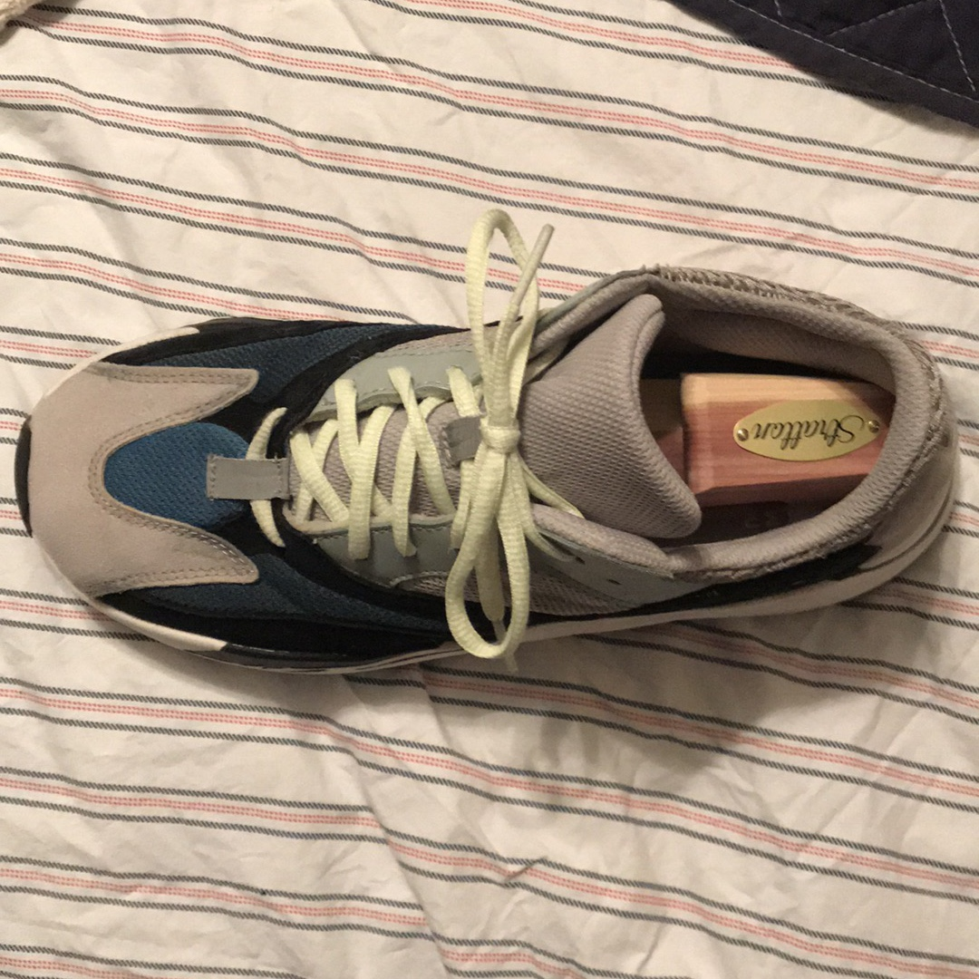 size 40 a5e01 3e4f8 Yeezy 700 Wave Runners Used Legit with stockx tag - Depop