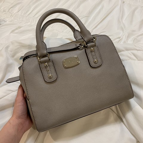 1da4feee8075 @caredbycoco. 3 months ago. West Covina, United States. MICHAEL KORS  SAFFIANO LEATHER SMALL SATCHEL