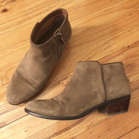 cd169015191e Sam Edelman Petty Booties! In a lovely taupe olive color. A - Depop