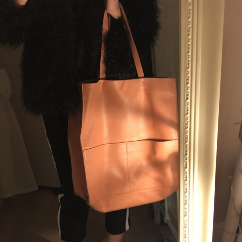 2e68ab0a09 @hqrriett. 2 years ago. Aylesbury, United Kingdom. Reduced !!! - zara large  faux leather pink bag ...