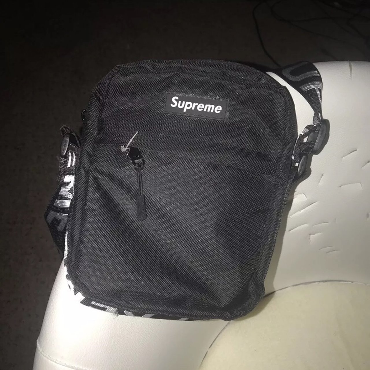 2e7122eb18e1 Supreme Messenger Bag - Black Used a few times for carrying - Depop