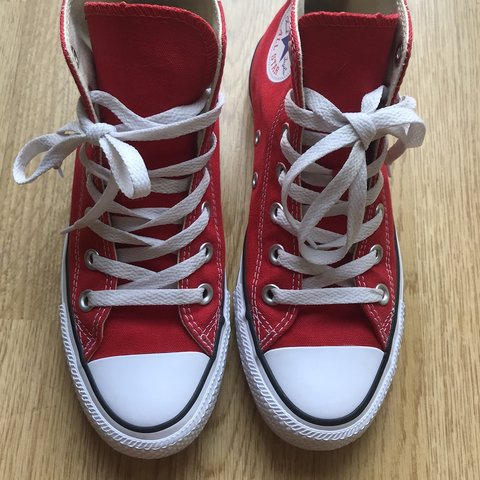 5f58530b4c7 Like New Converse All Stars in Red size 4.5 but will also a - Depop