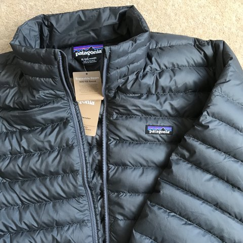 """be249edfe76 @dukescupboard. 9 months ago. London, United Kingdom. Patagonia lightweight Puffer  jacket """"men's down sweater"""" """"800 fill goose"""" Size XL ..."""