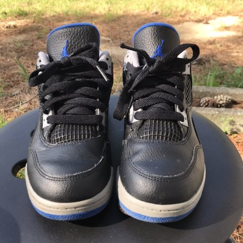 056b5f92a0f1ab Air Jordan 4 Kids Size  2.5y Clean shoes