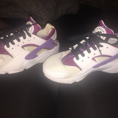 85025951f48e Nike air huaraches women s pink purple and black laces good - Depop