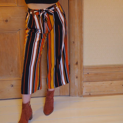 b0a09a3f colourful, stripy, crepe culotte trousers from Zara, size XS - Depop