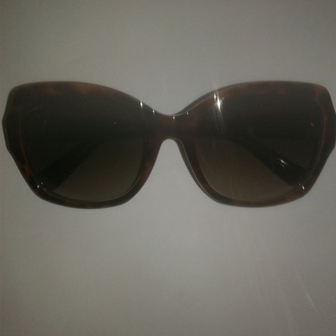 52aafc4d94f33 Real-Gucci sunglasses. Only wore once good condition with - Depop
