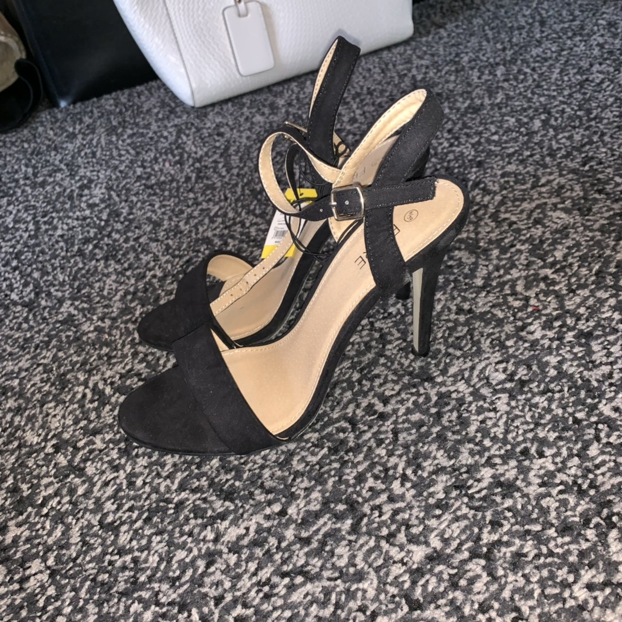 464c0a08901 Barely there heels never worn - Depop