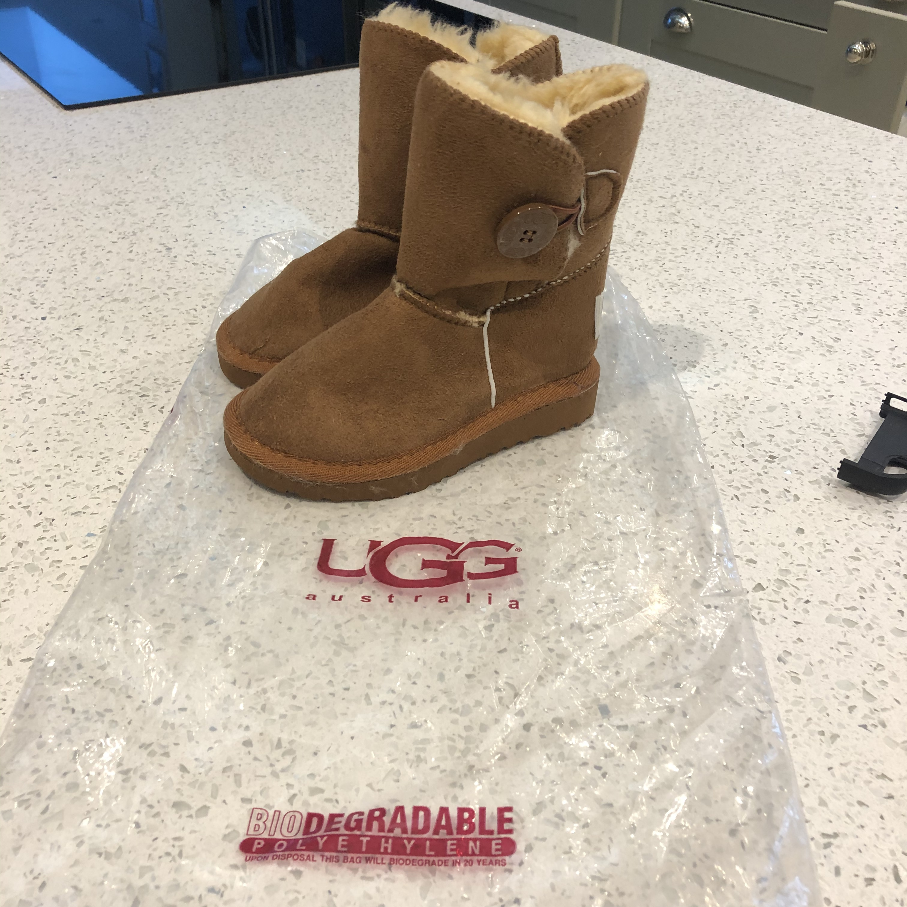 UGG BOOTS INFANT SIZE 25 UK 8. tried on