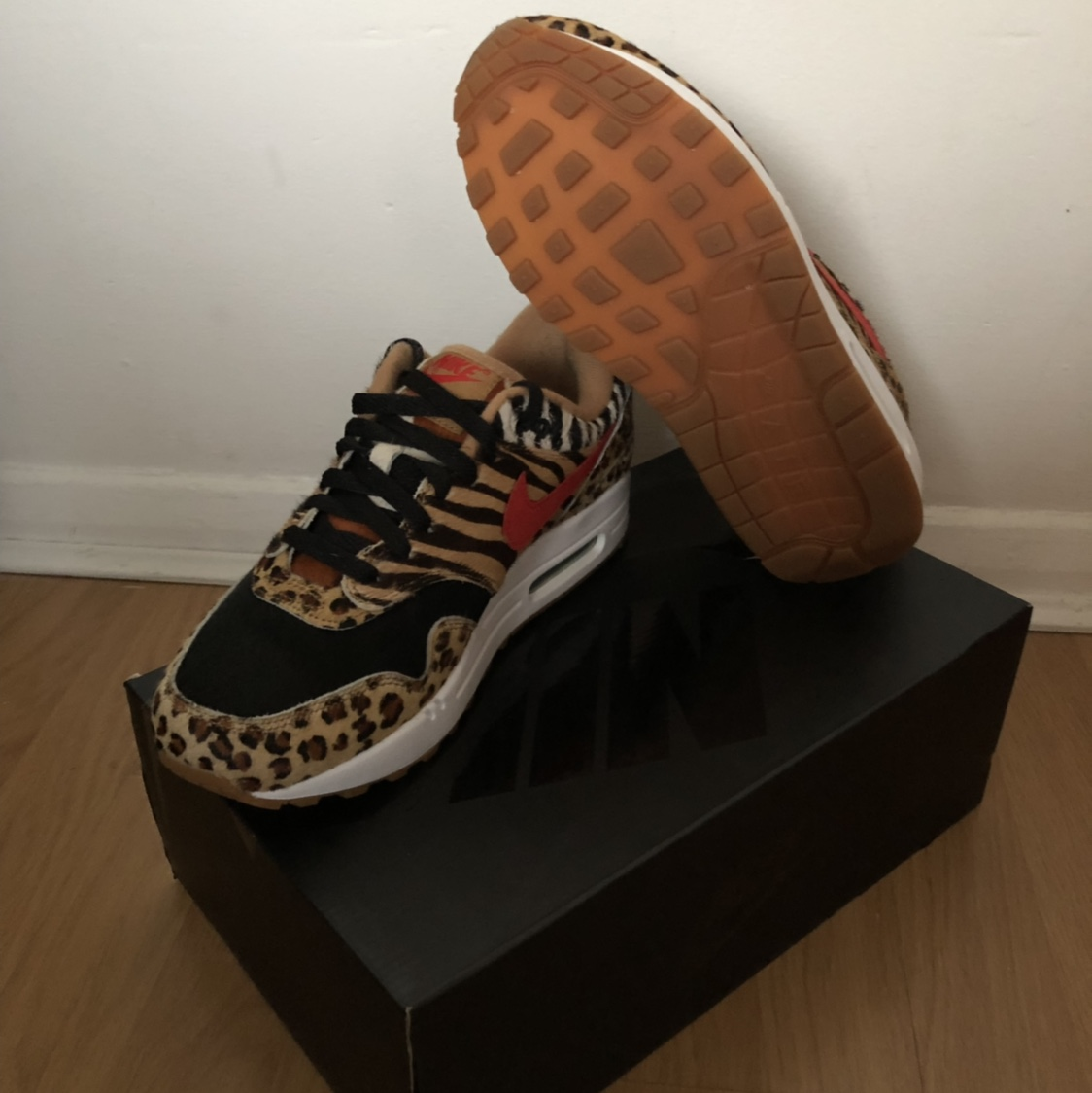 Atoms x Nike Air max 1 Animal Pack 2.0 </div>