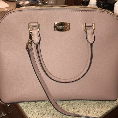 847e62642 @karikhryst. 14 days ago. Meridian, United States. Micheal Kors large Cindy  Dome Purse.