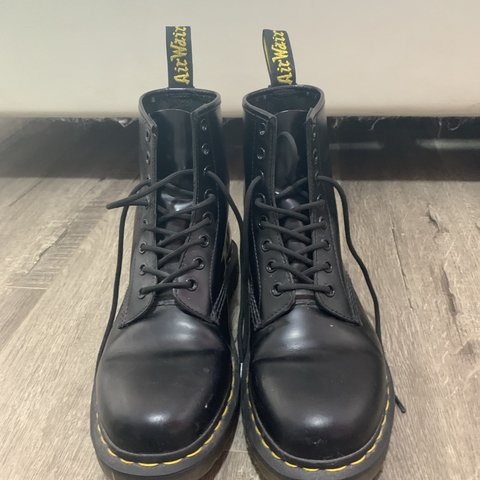 fcc6e4d5595 Dr Martens Modern Classics Smooth 1460 8-Eye boots US are - Depop