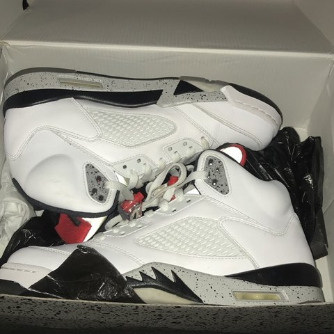 a2fc55ff90e4 retro Jordan 5 that retails at 190  but selling for 100  do - Depop