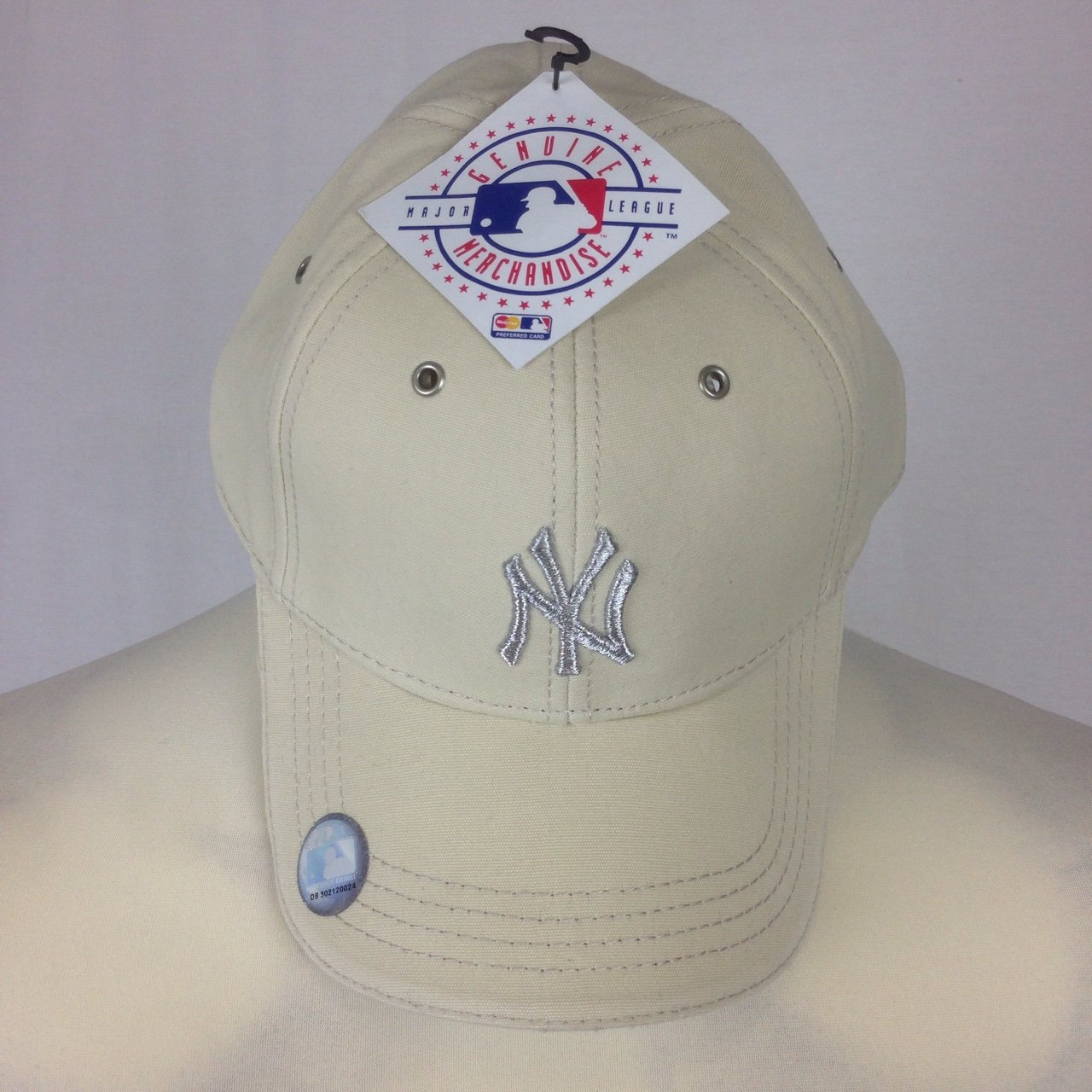 Brand new authentic Unisex New York Yankees hat beige with I - Depop ee6ed5b426e
