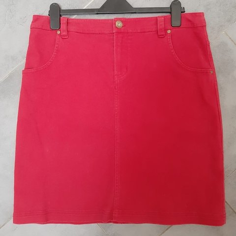 "a39b65fc87 SEASALT ""CASTELLA"" red skirt Knee length Size 16 **NEVER - Depop"
