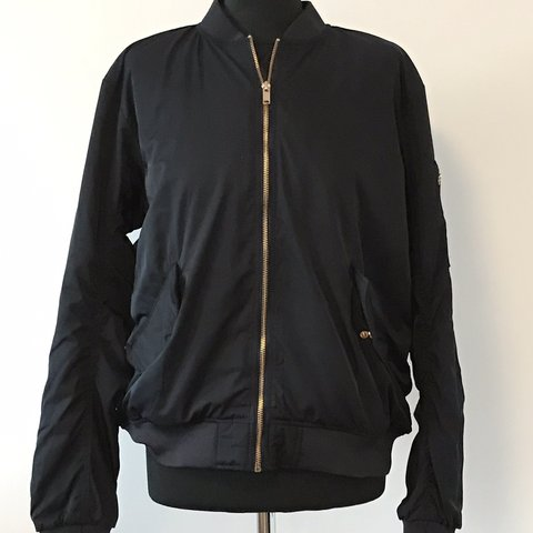 6909010900639 H & M Padded Bomber Jacket * like new * Red lining * gold * - Depop