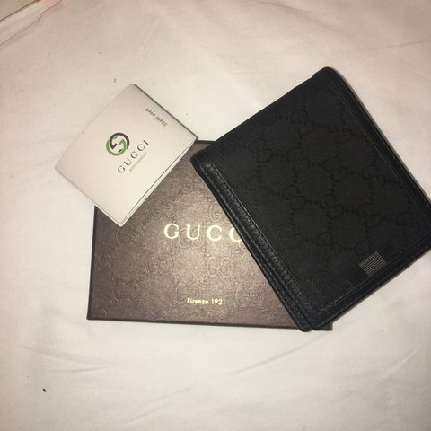 3b7b447b47e7e 100% authentic gucci wallet 9 10 condition Used Open to - Depop