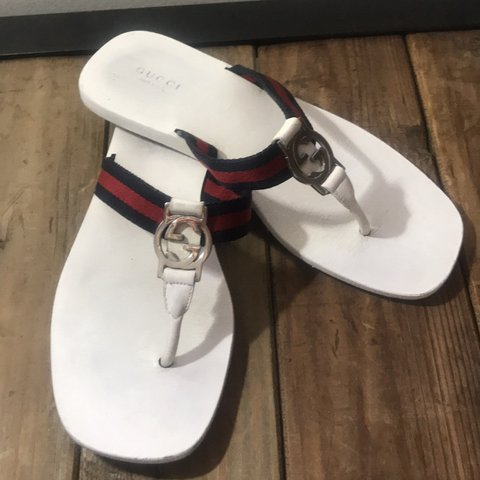 20d81cc8aa3b Awesome Gucci white flip flops in great condition well taken - Depop