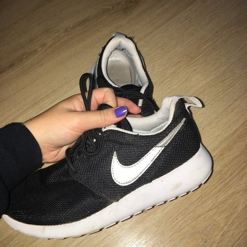 4ba2b62dacf Black Nike Roshe still in good condition Message me if you - Depop