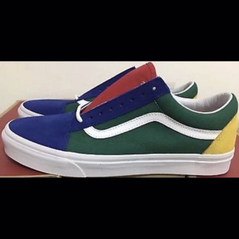 c56dc0cc95e0 Vans Old Skool Yacht Club Women Size 9 Men s Size New With - Depop