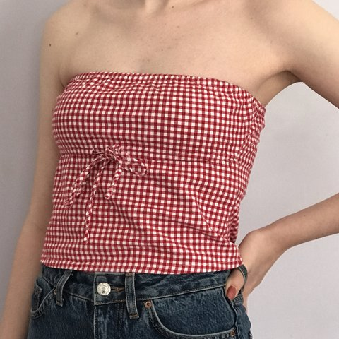 8b3c40a3c1b  ericadematos. 23 days ago. United States. brandy melville tube top in red  gingham