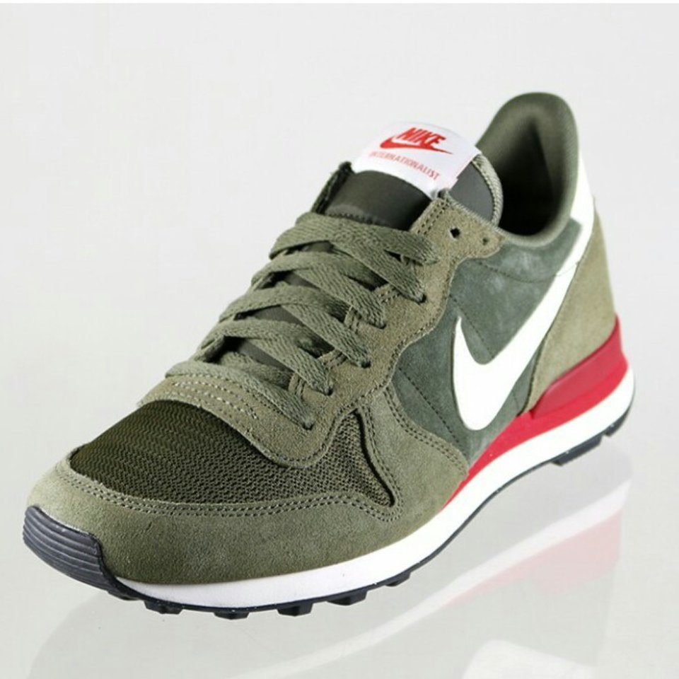nike internationalist verde militar