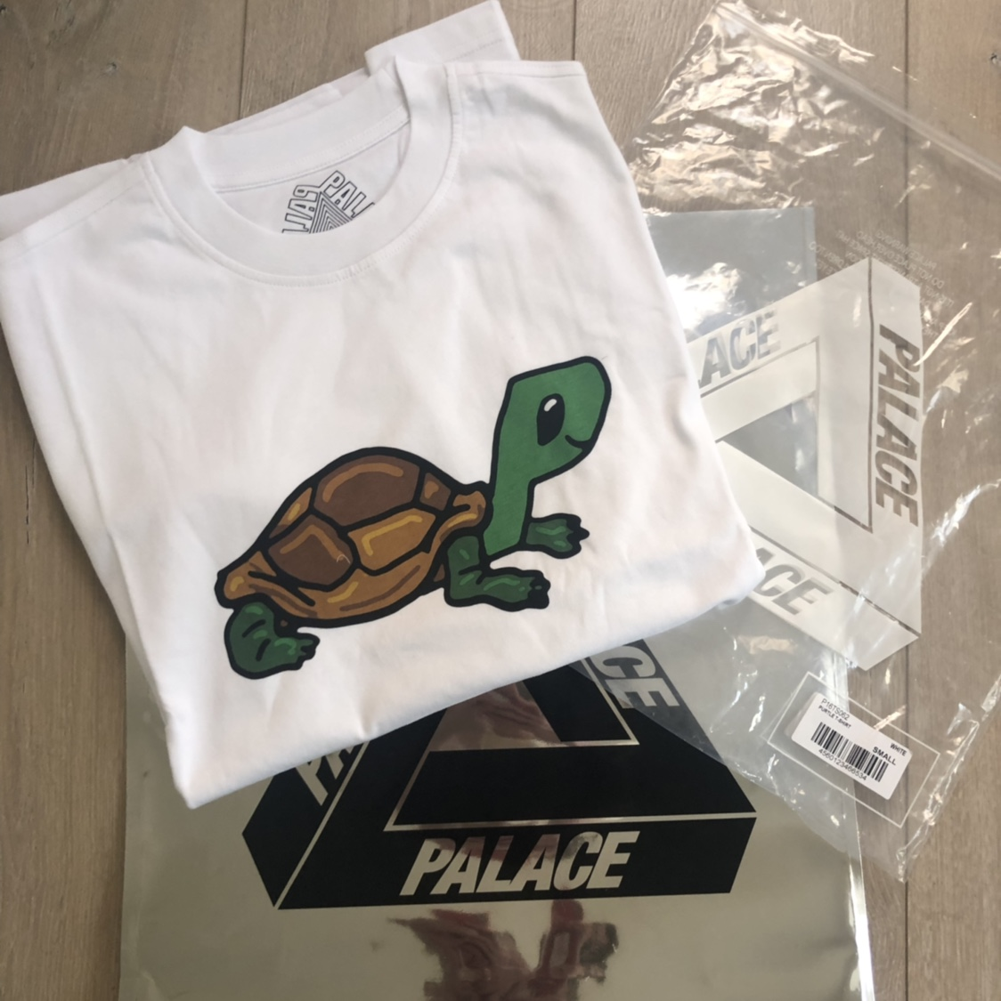 Palace Purtle Tee Bought this item in-store at the    - Depop
