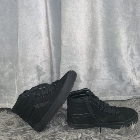 79a1fb2272f882 Black Vans Sk8-Hi 🖤 only worn once very good condition. 6 5 - Depop